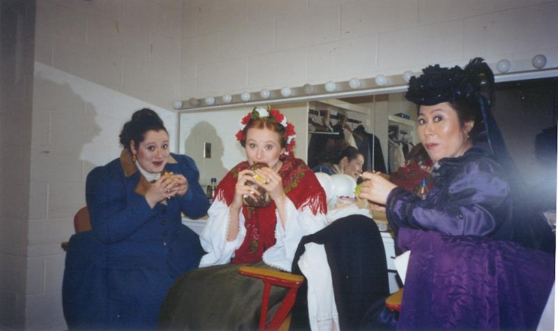 hungry ladies after meeting Don Giovanni